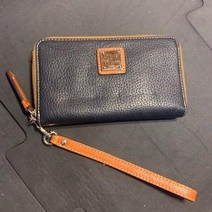 NEW Dooney & Bourke Black Wallet/Clutch